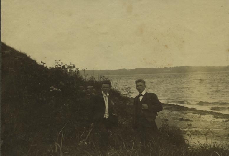 12a. Albert og Ejner Hansen