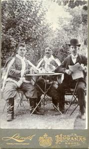 Raymund Volkmann som student (til venstre)